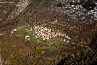 Veduta-aerea-fraz-Barostro-comune-Brallo-di-Pregola