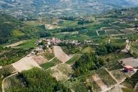Veduta aerea della fraz. Bagarello nel comune di Montecalvo Versiggia