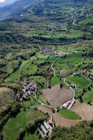 Veduta aerea di Casa Lazzati, Montagna, Pilla, nel comune di Romagnese