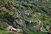 Veduta aerea della Fraz. Gabbione nel comune di Romagnese