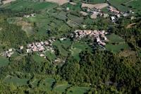 Veduta aerea della fraz. Poggio Gabbione nel comune di Romagnese