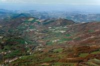 Veduta aerea di Romagnese e della Val Tidone