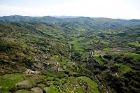 Veduta aerea della Val Tidone verso Romagnese