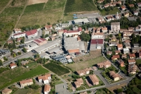 Veduta aerea di S. Maria della Versa e Cantine La Versa