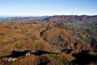 Veduta del castello di Oramala in autunno