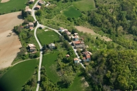 Vedute aeree di Montacuto Val di Nizza, provincia di Pavia
