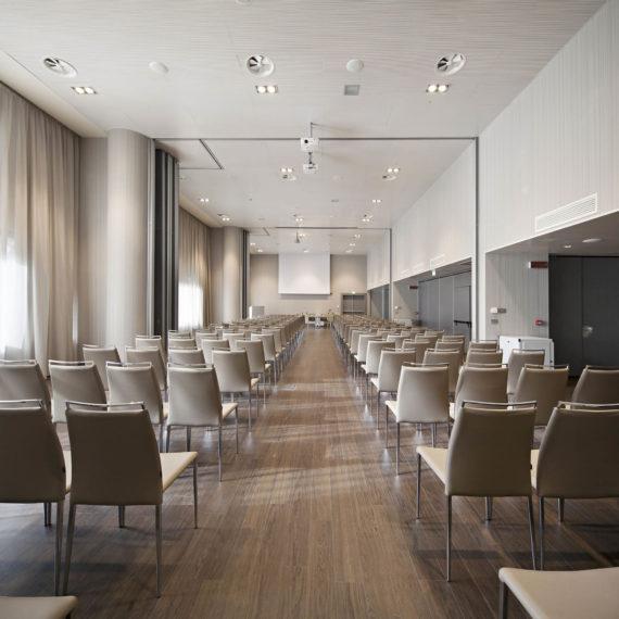 fotografo-sala-meeting-hotel-Parma