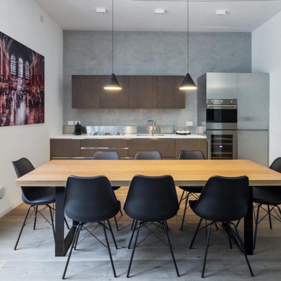 luxury-real-estate-milano-cucina-appartamento-Airbnb