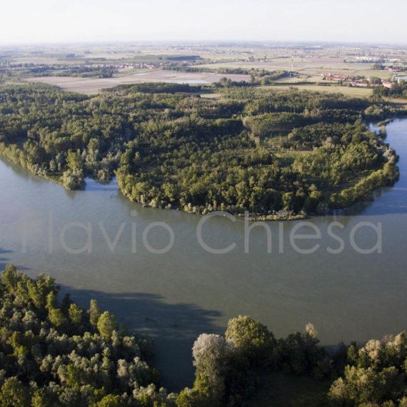 Veduta-aerea-del-Ticino-tra-Pavia-Bereguardo