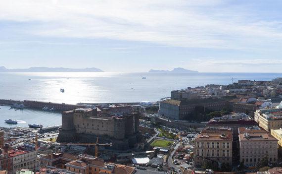 Panorama di Napoli visto dall'hotel Ambassador