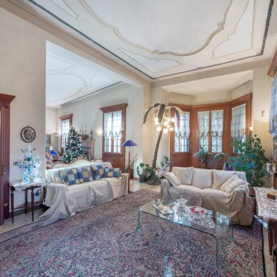 soggiorno-villa-prestigiosa