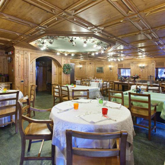 sala-ristorante-hotel-Gressoney