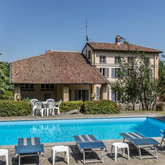 immobile di pregio con piscina in Lombardia