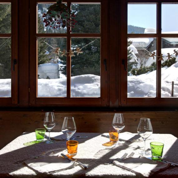 sala-ristorante-hotel-Aosta