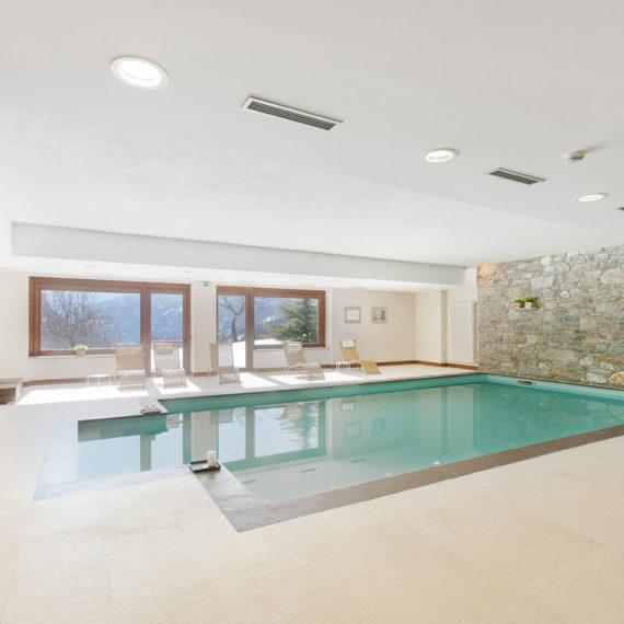 piscina-interna-hotel-in-val-Aosta