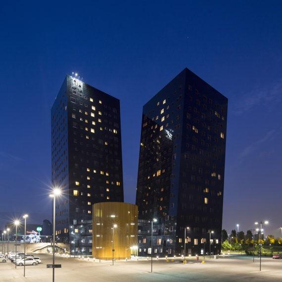 vista-serale-esterna-hotel-Nh-Rho-fiera-milano