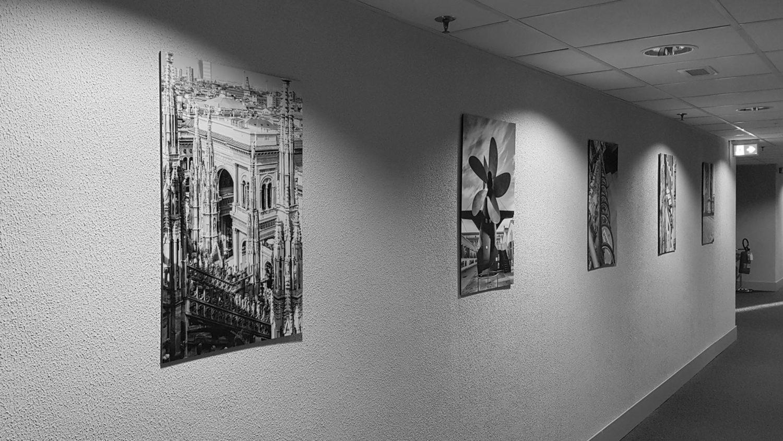 """Backstage del progetto \""""Milano\"""" in hotel. Installazione"""