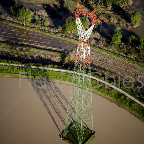 traliccio-enel-nei-pressi-del-fiume-Po-provincia-di-Pavia