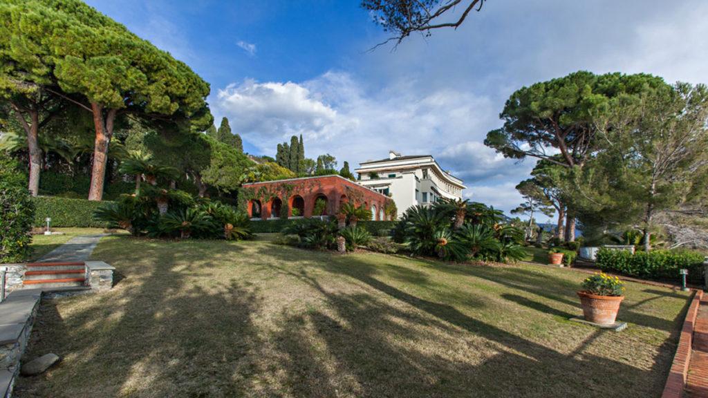 immobile di pregio con giardino in Liguria