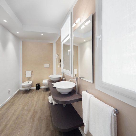 fotografo hotel Milano studio Inn, il bagno