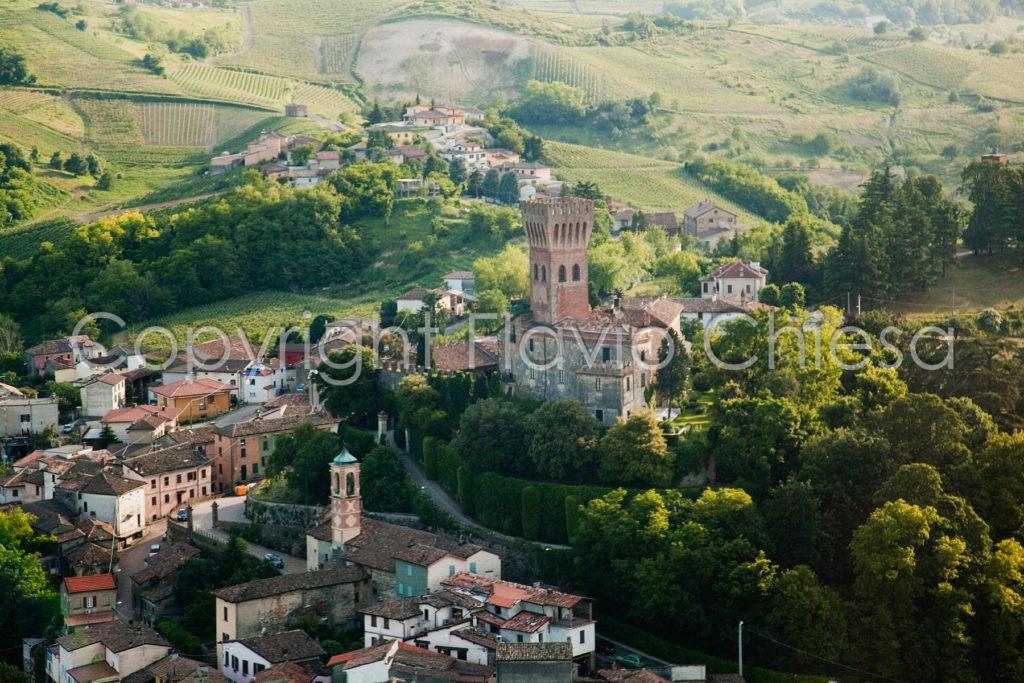 Riprese-aeree-Castello-di-Cigognola-in-provincia-di-Pavia