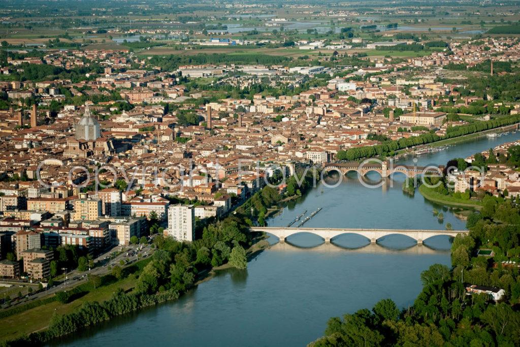 Riprese-aeree-Pavia-con-2-ponti