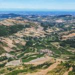 Riprese-aeree-fraz-Canavera-Colli-Verdi-in-provincia-di-Pavia