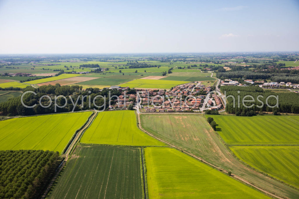 Riprese-aeree-Sant-Alessio-con-Vialone-provincia-di-Pavia